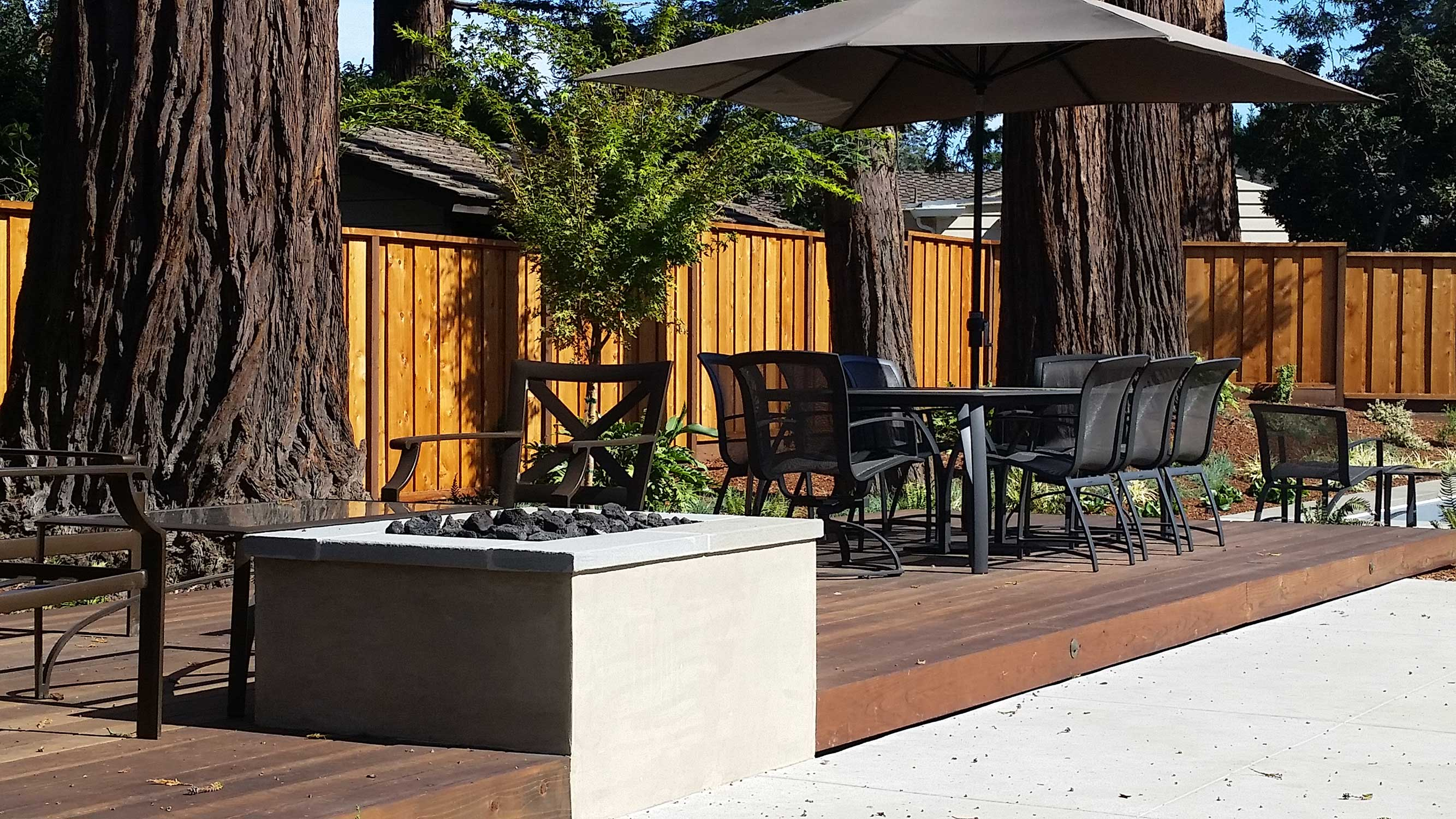 Hillsborough Design Build deck-and-fire-pit