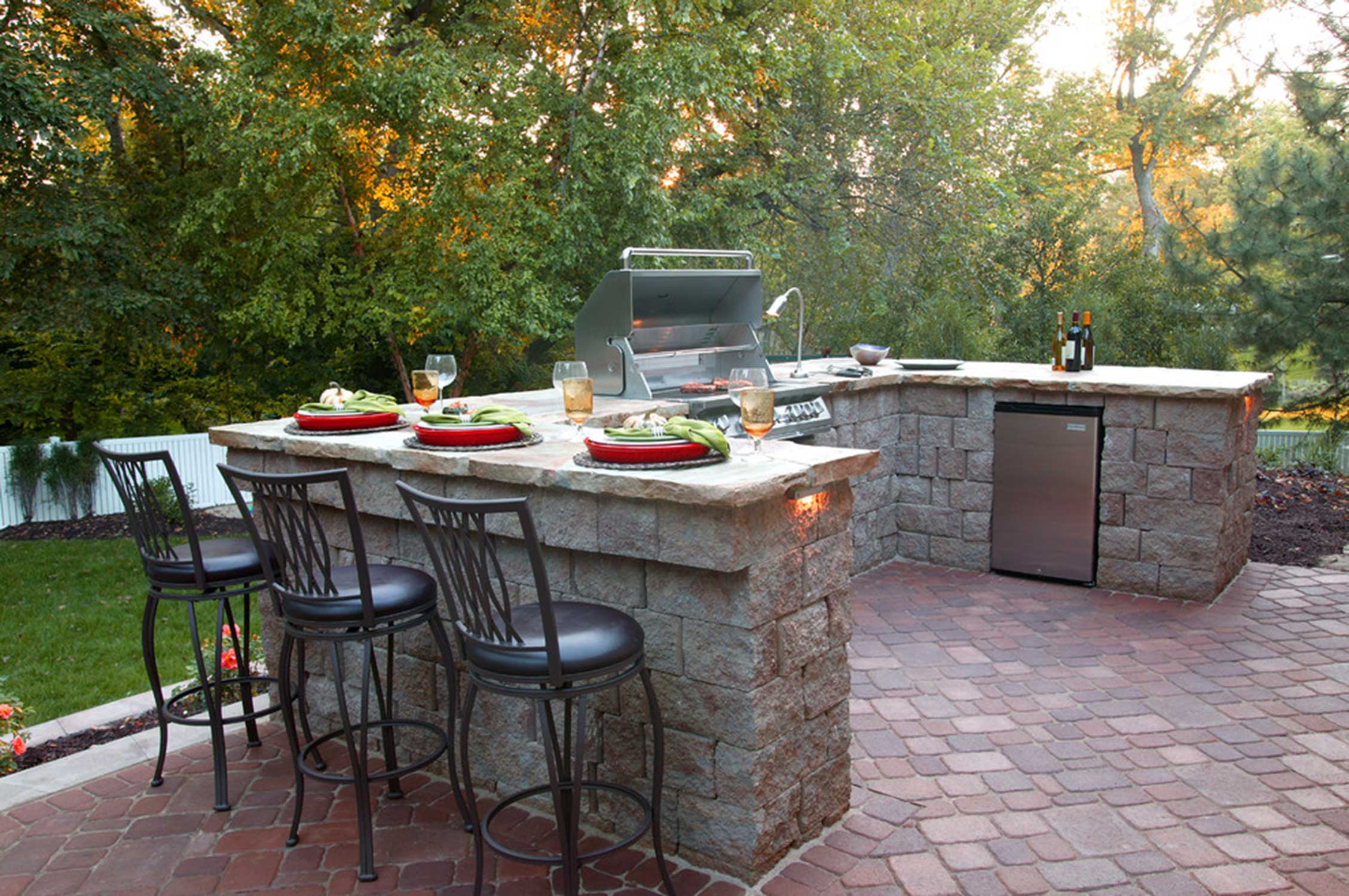 Designing Outdoor Kitchens